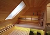 Sauna mit Dachflächenfenster